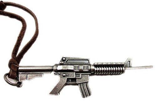 Colar com Pingente Colt M4A1