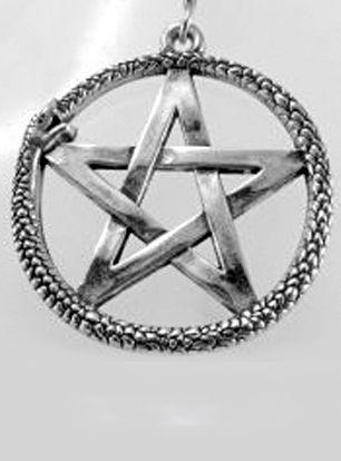 Pentagrama contornado por oroborus