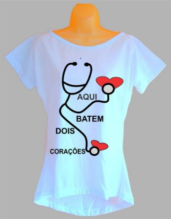 Camiseta Para Grávida e Gestante Aqui Batem Dois Corações