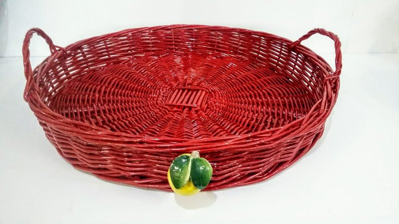 135 - Cesta G vermelha com alça em vime limão siciliano H=7 cm, D = 47 cm