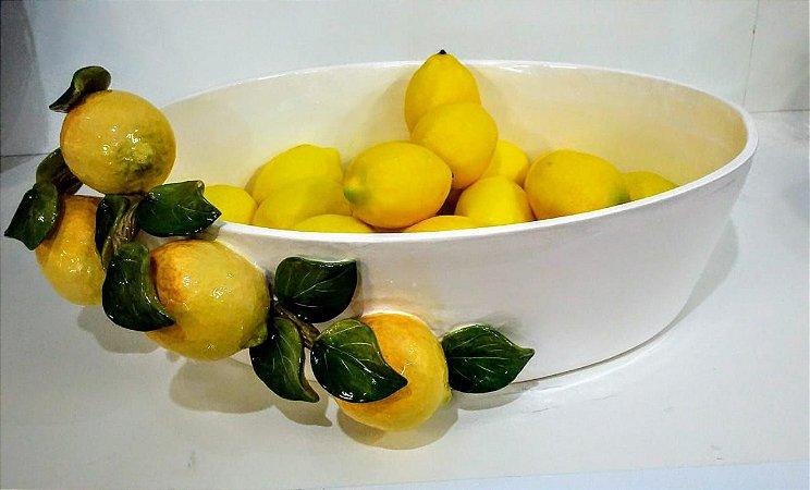 558 - Floreira Branca Oval com arranjo de limão siciliano H=21,5 cm, L= 39 cm, C= 50,5 cm