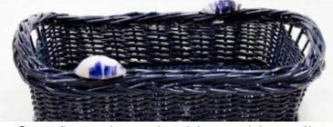 Porta pães em vime azul marinho com dois caracóis