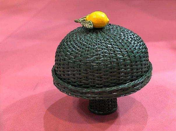 Boleira verde  em vime com limão siciliano.  D=35 x H =36 cm com o pé