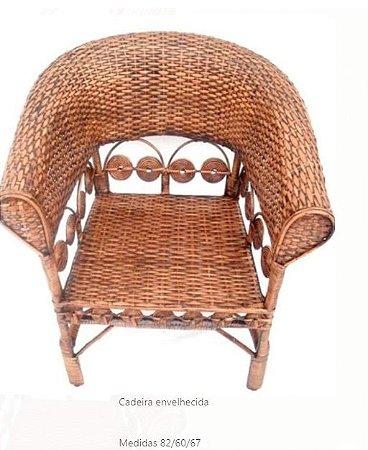 Cadeira envelhecida   Medidas 82/60/67