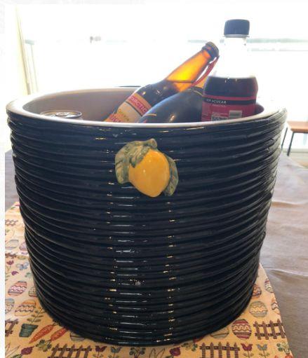 Geleira azul marinho com duplo limão siciliano