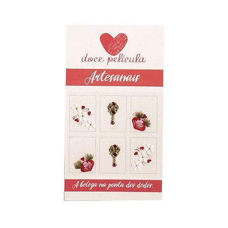 Adesivo de Unha Premium Flor e Três Margaridas 114