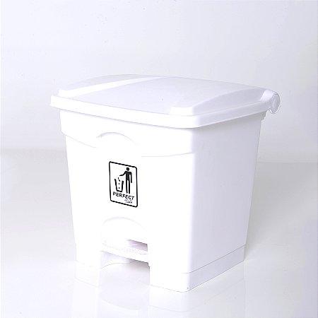 Lixeira Plástica 35 L Branca com Pedal