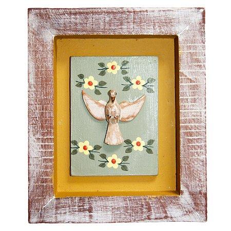 Quadro Divino Espírito Santo com Flores Rústico Encerado Pátina Branca Fundo Amarelo (19x16x3)cm