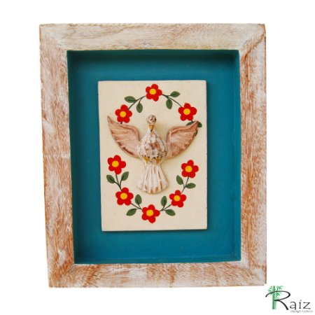 Quadro Divino Espírito Santo com Flores Rústico Encerado Pátina Branca Fundo Azul (24x20x3)cm