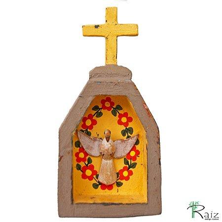 Oratório Divino Espírito Santo Madeira para Mesa ou Parede Marrom e Amarelo (14x7x3)cm