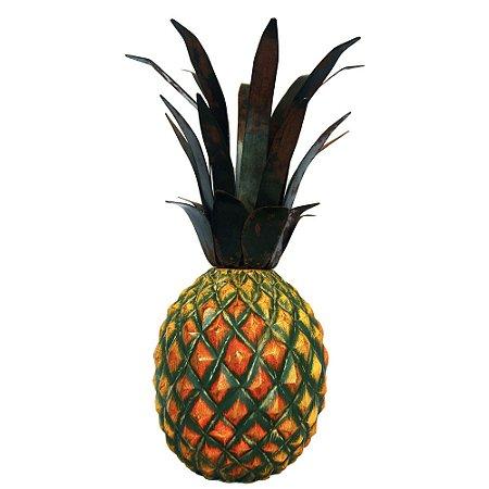 Fruta Decorativa de Mesa Abacaxi de Madeira Maciça e Coroa de Ferro (35x22x22)cm