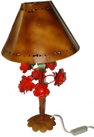Abajur de Rosas Vermelhas Cúpula de Ferro