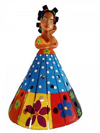 Boneca Abajur Cabelo Toto de Madeira Entalhada com Pintura Tipo Patchwork 40 cm