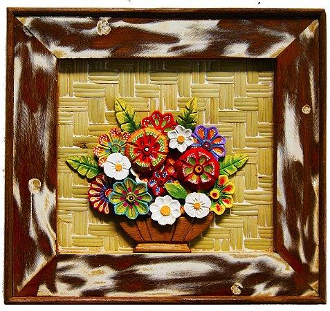 Quadro de Flores Moldura Patinada Madeira com Fundo em Esteira (31x31cm)