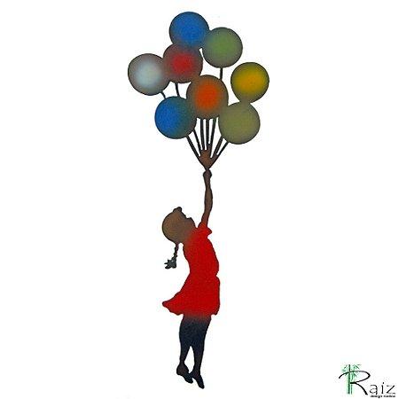 Quadro Recortado em Ferro Garota com Balões
