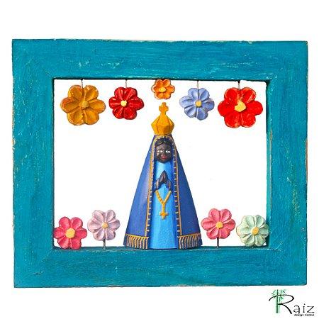 Quadro Vazado Nossa Senhora Aparecida com Flores Madeira (25x31)cm