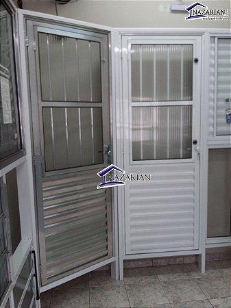 Porta Basculante Aluminio brilhante C/Grade