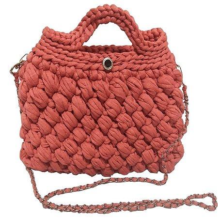 Bolsa artesanal de crochê salmão fio de malha encanto