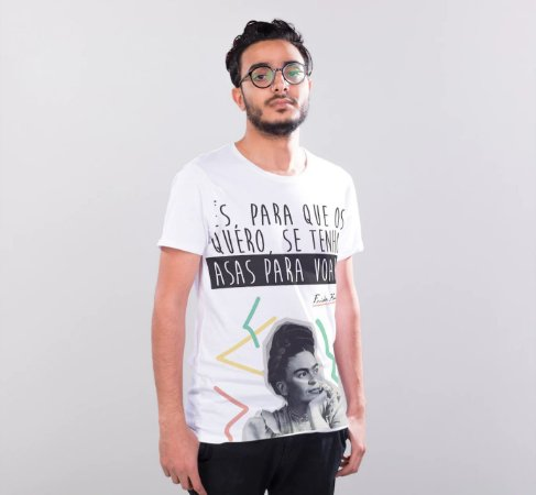 """Camiseta Frida Kahlo """"Pés. Para Que Os Quero, Se Tenho Asas Para Voar."""""""