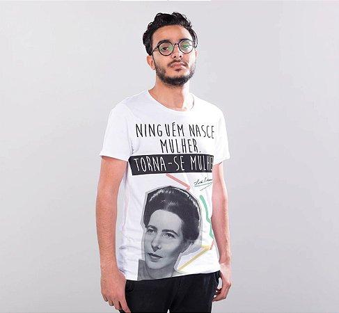 """Camiseta Simone de Beauvoir """"Ninguém Nasce Mulher. Torna-se Mulher."""""""