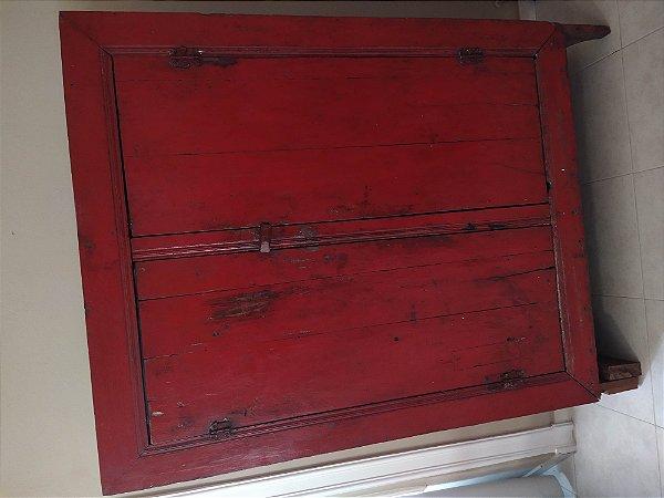 Armário mineiro de fazenda policromia de época vermelha madeira maciça duas portasptres prateleiras e quatro vãos