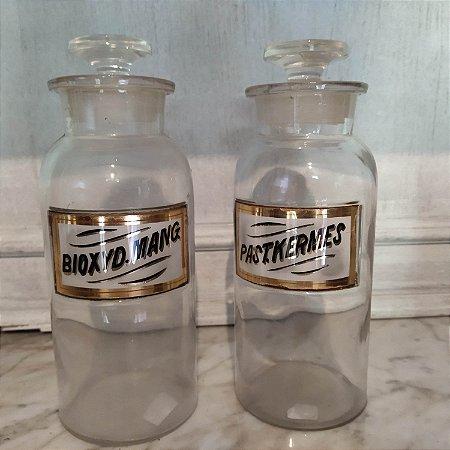 Potes de farmácia antigo com etiqueta a ouro pintado a mão