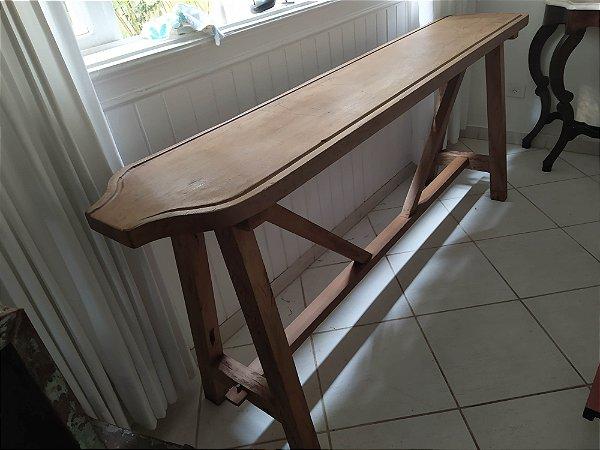 Queijeira ou Aparador , madeira nobre mede 2x40x90 cm altura