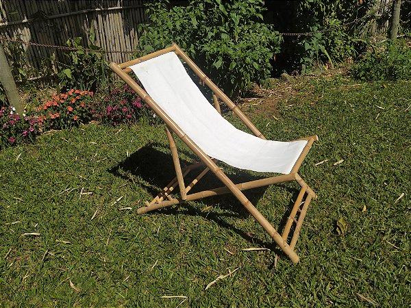 Cadeira francesa feita em bambu cana da india com estofado em tecido
