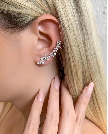 EAR CUFF PRATEADO COM PEDRA CRISTAL SACKS