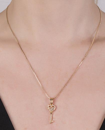 Colar de metal dourado com strass cristal Lover