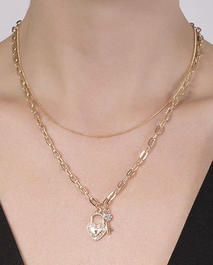 Colar de metal dourado com strass cristal Margarida