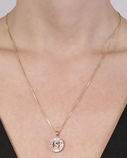 Colar de metal dourado com strass cristal silvana