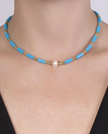 Gargantilha choker de metal dourado com pedra azul rejane