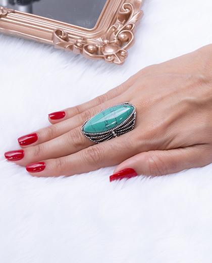 Anel prateado com pedra verde zenday