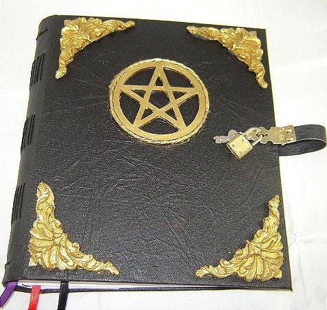Livro das Sombras com pentagrama cod.373