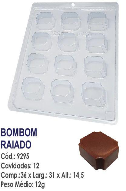 FORMA PLÁSTICA PARA CHOCOLATE BWB BOMBOM RAIADO UN R.9295