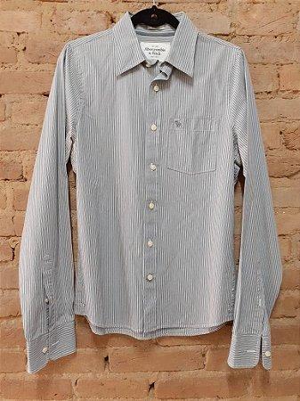 Camisa Listrada Cinza e Branca Abercrombie & Fitch