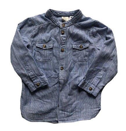 Camisa Listrada Azul e Branca com Bolsos H&M