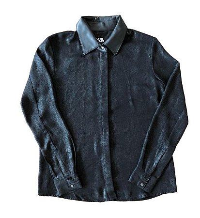 Camisa Preta com Brilho e Gola em Corino Karl Lagerfeld for Riachuelo