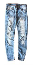 Calça Jeans Clara Destroyed Zara
