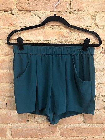 Shorts BCBG Maxazria Verde em Seda