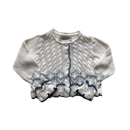 Casaquinho Um mais Um tricot branco e tons de azul