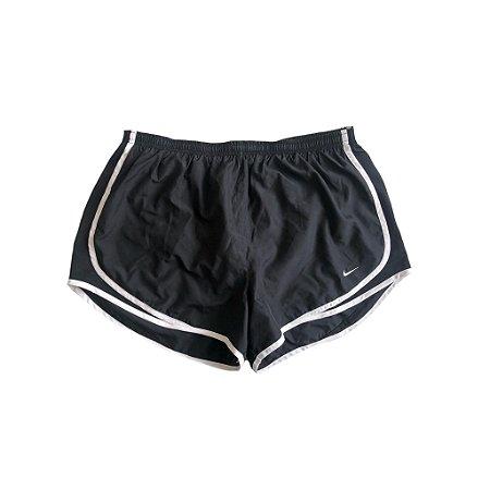 Shorts Nike Feminino Preto e Branco