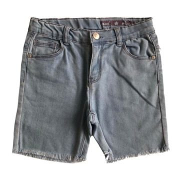 Bermuda Jeans Chicco Infantil desfiada na Barra