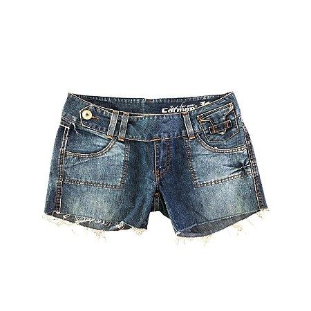 Shorts Jeans Carmim barra desfiada