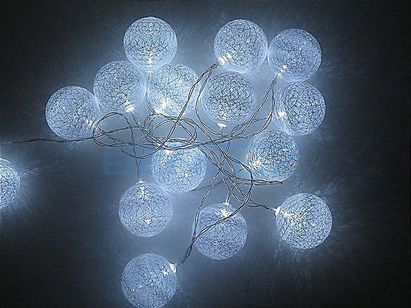 Cordão Fio de Luz LED Branca com 20 Bolinhas de lã Branco Frio A pilha e USB