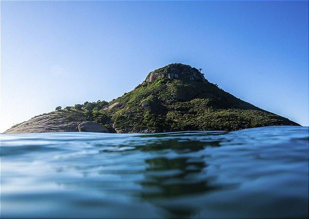 Fotografia aquática de uma ilha