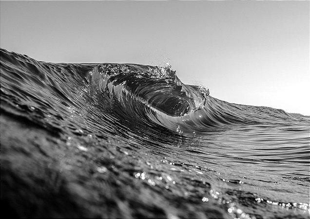 Onda tubular com efeito congelada em preto e branco