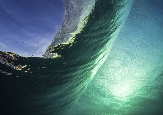 Underwater off the wall, Hawaii