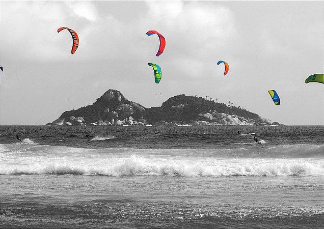 Vento, onda e kites na água